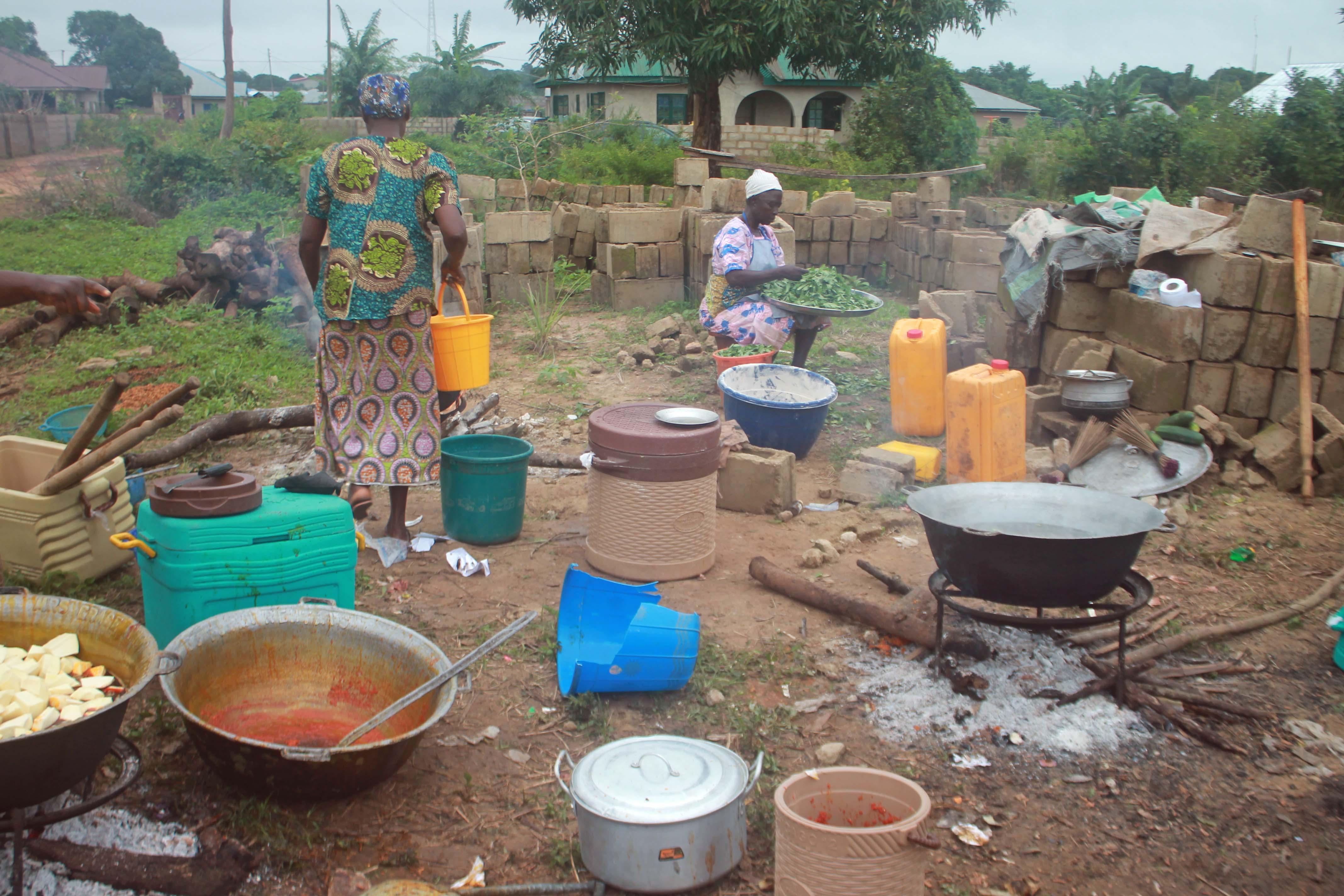 Backyard Camping Bandcamp : Iya Olonje (Food is Ready)  Ogbomosho Oyo State Nigeria  #JujuFilms