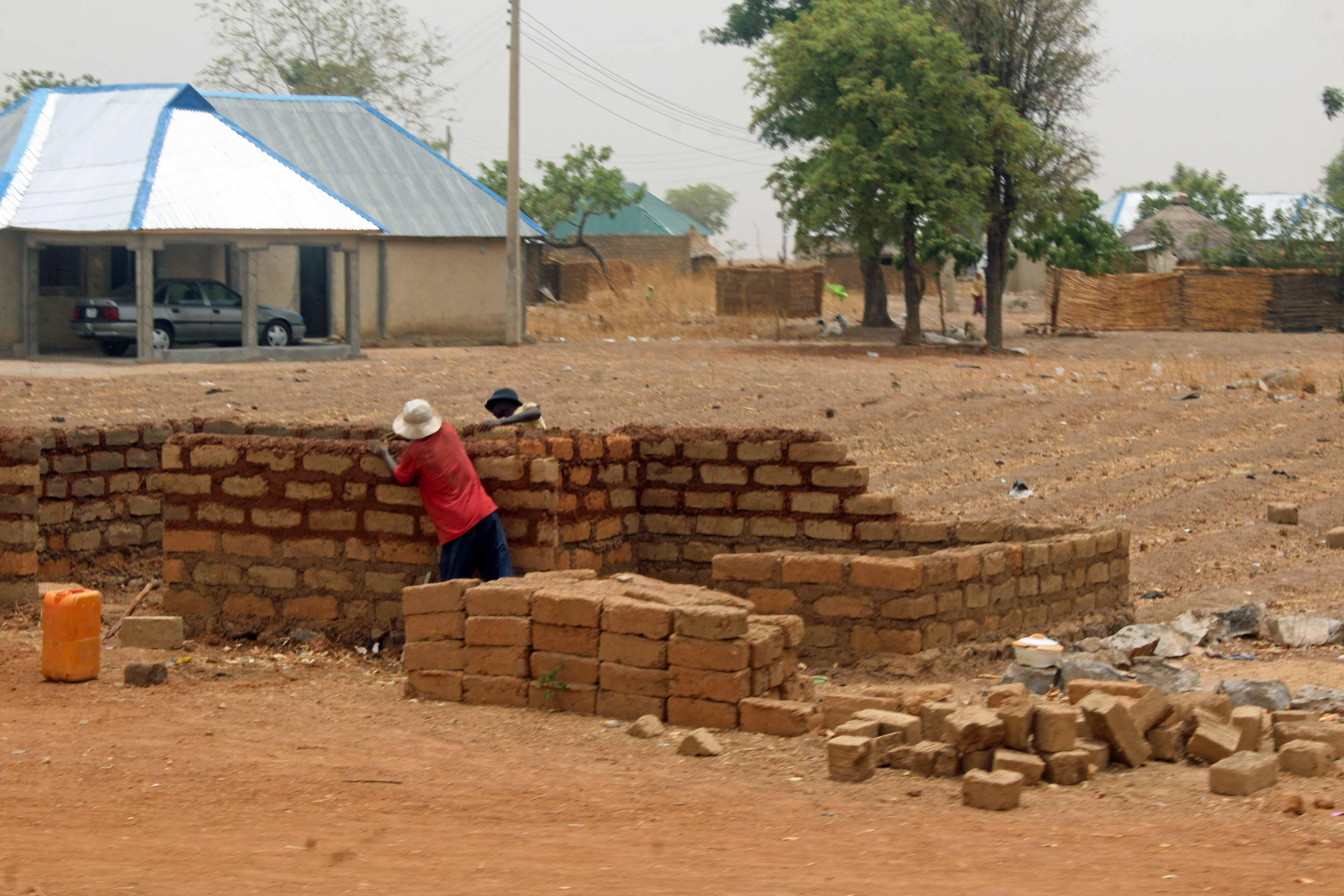 Bricklayers in Bauchi