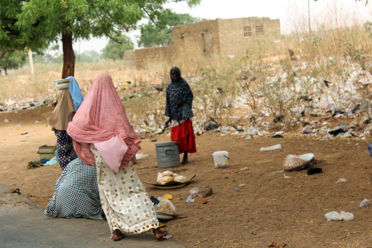 Hausa Fulani Girls roadside hawking, Gombe, Nigeria. #JujuFilms