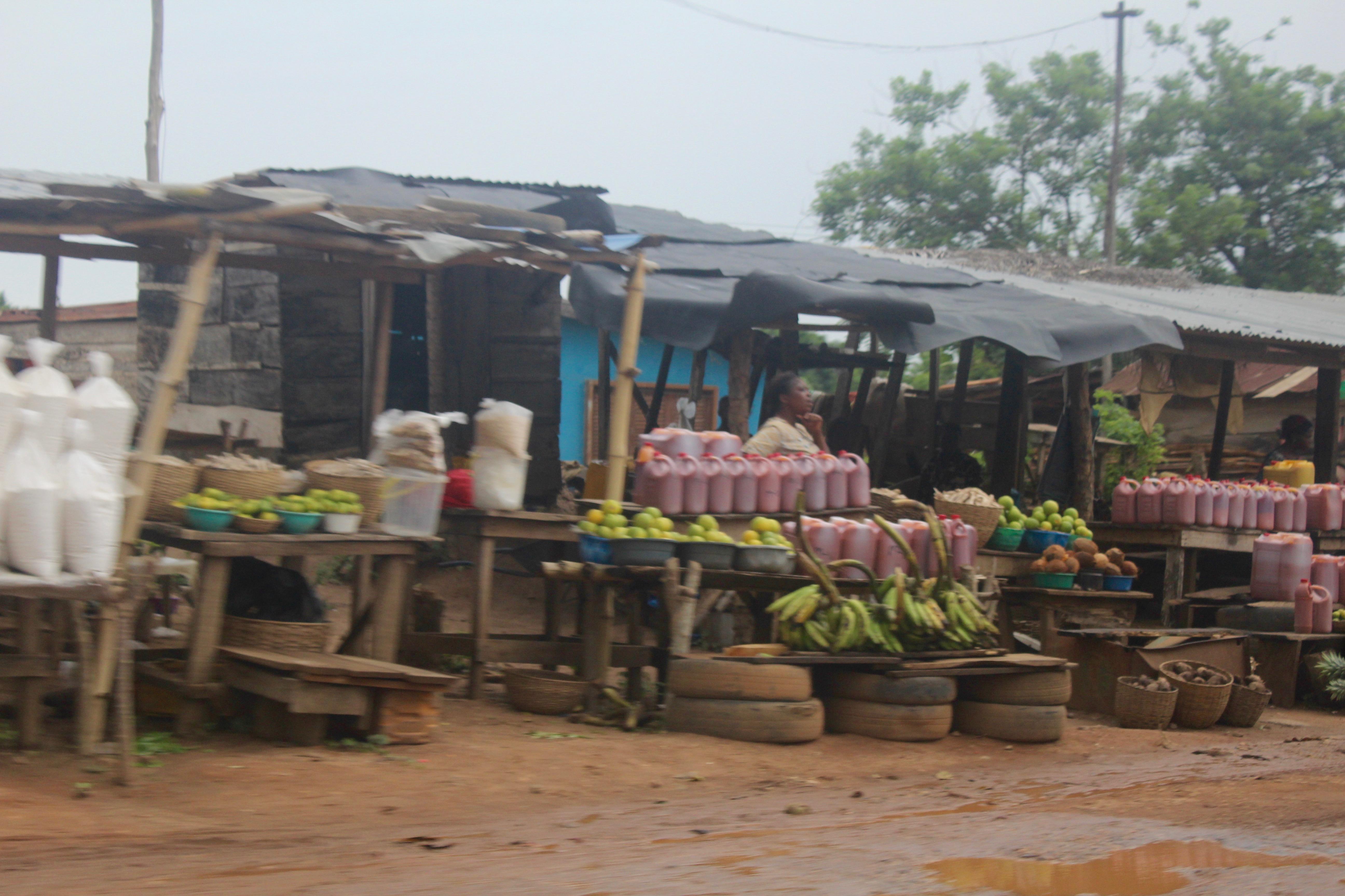 Roadside market in Ondo, Nigeria.