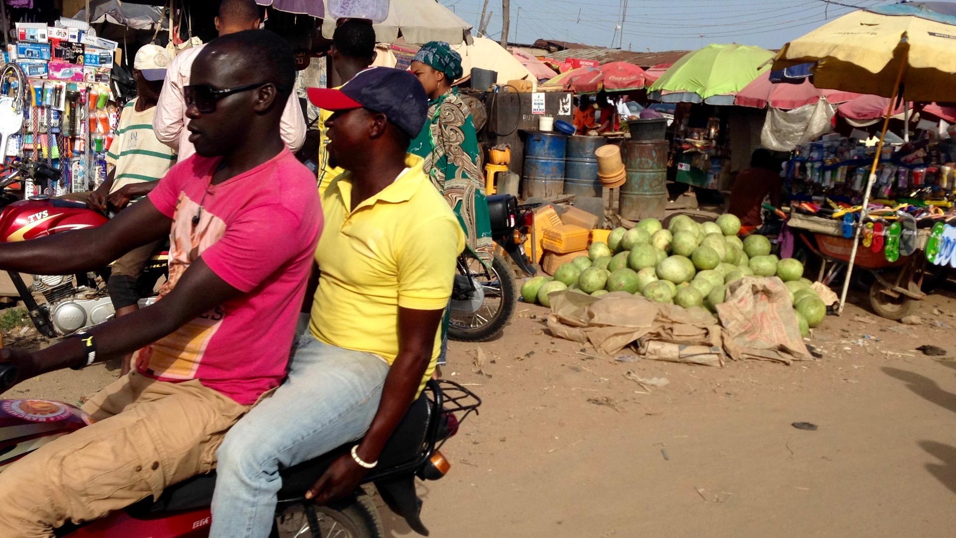Market scene in Kubwa, Abuja, Nigeria. #JujuFilms