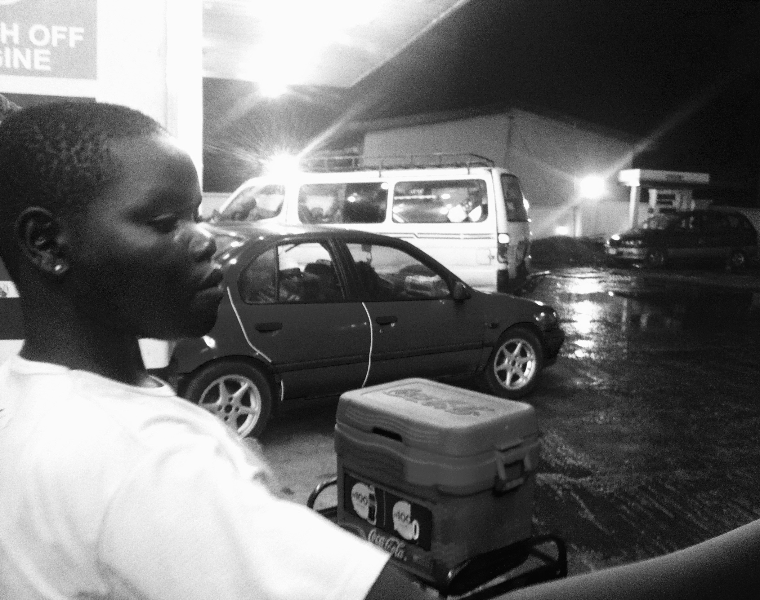 Yoruba Girl, hawking soft drinks, Ibadan Airport, Oyo, Nigeria. #JujuFilms