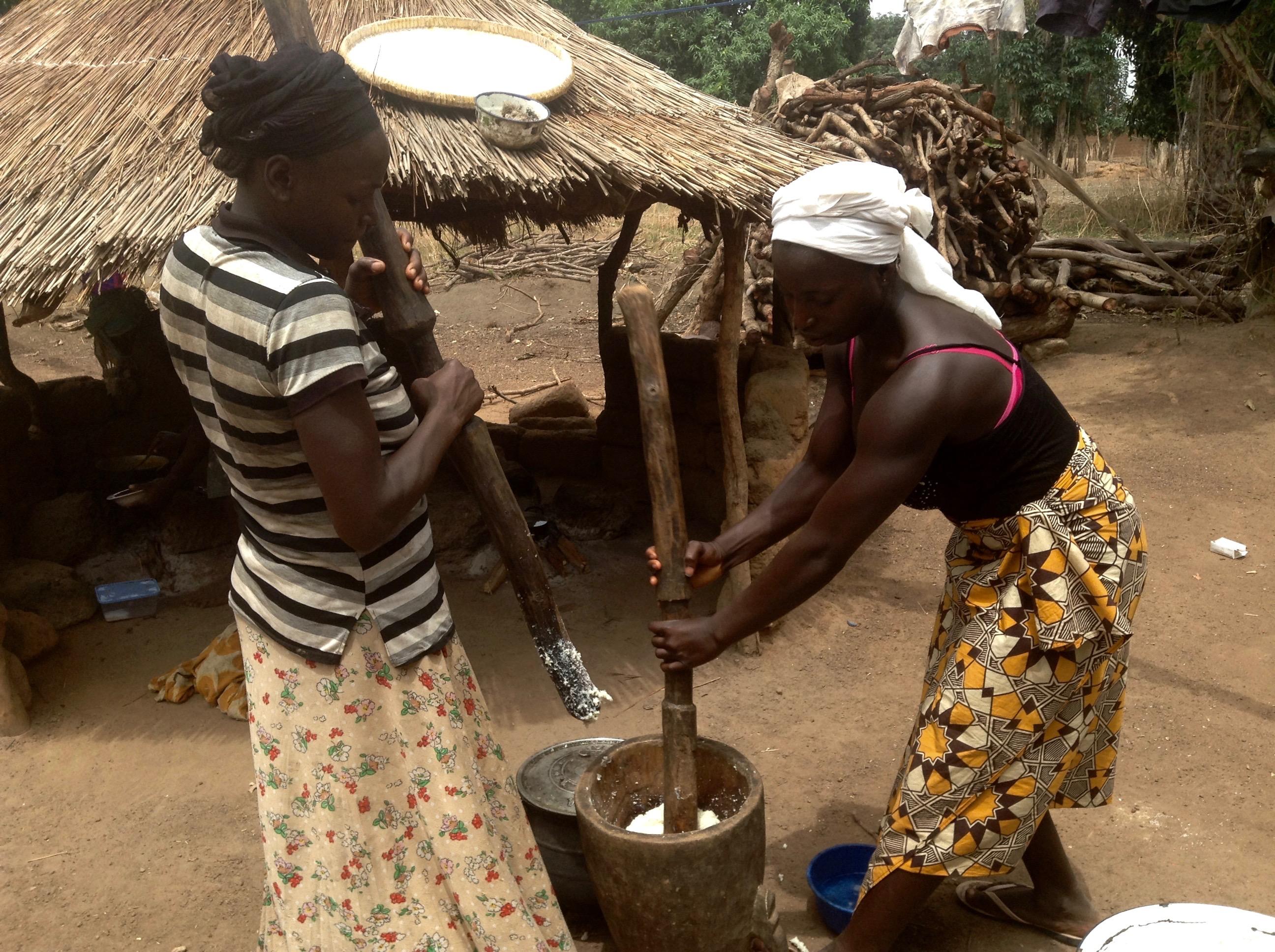 Women pounding yams in Fadan Kashe Village, Kaduna, Nigeria. #JujuFilms