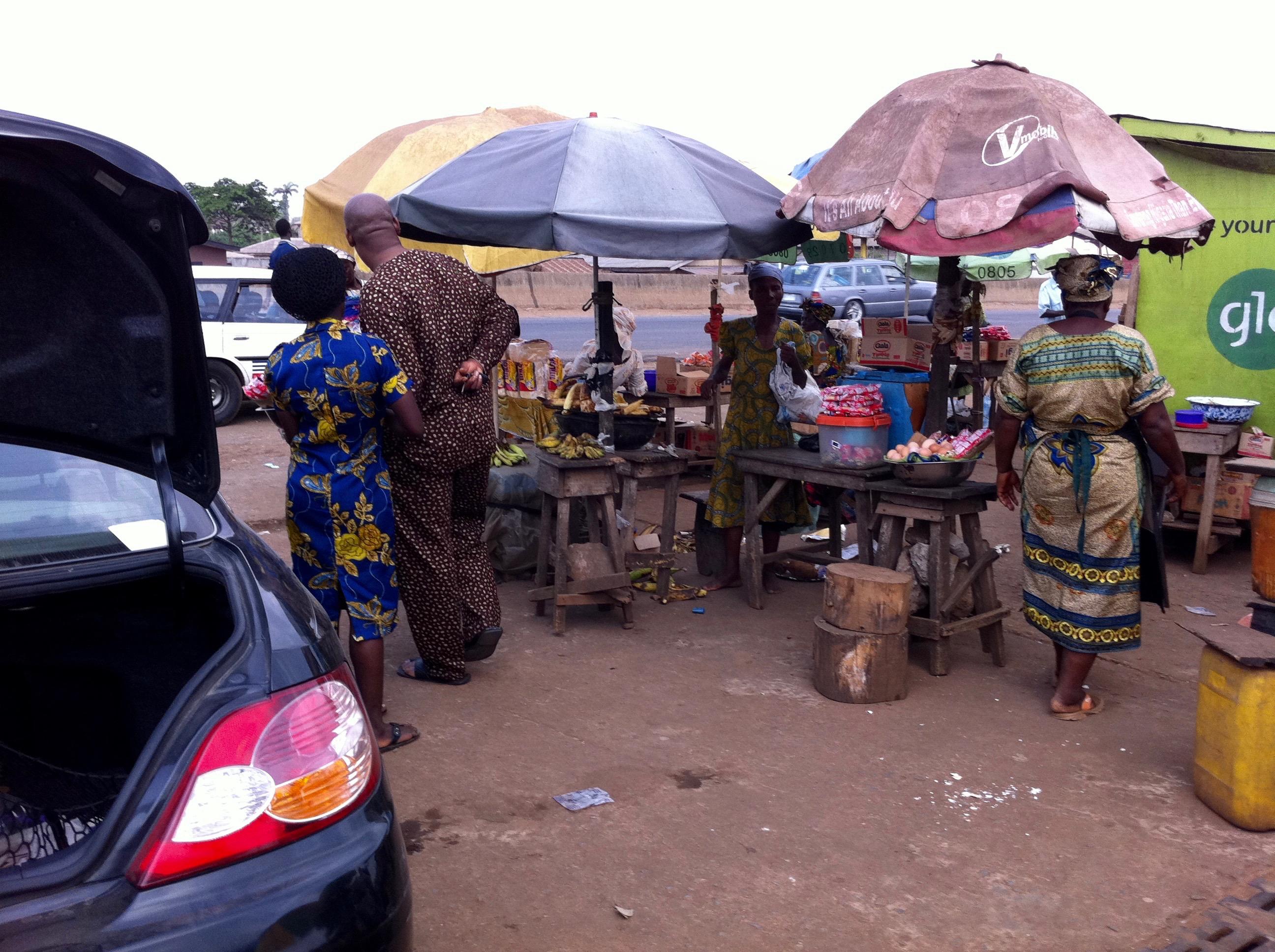 Roadside market in Ijebu Ode, Ogun, Nigeria. #JujuFilms