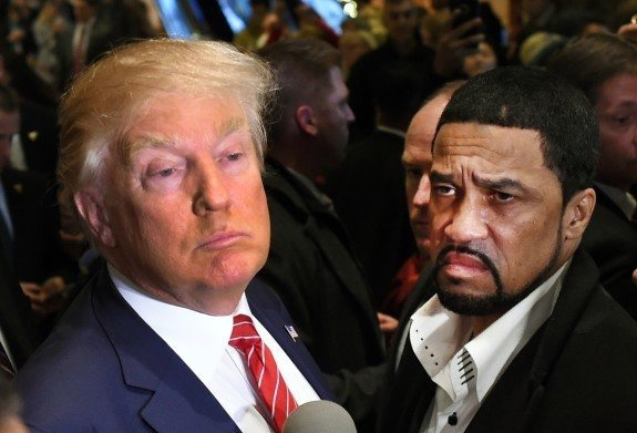 Rev. Darrell Scott, senior pastor of the New Spirit Revival Center in Cleveland Heights (R) and Republican Candidate Donald Trump