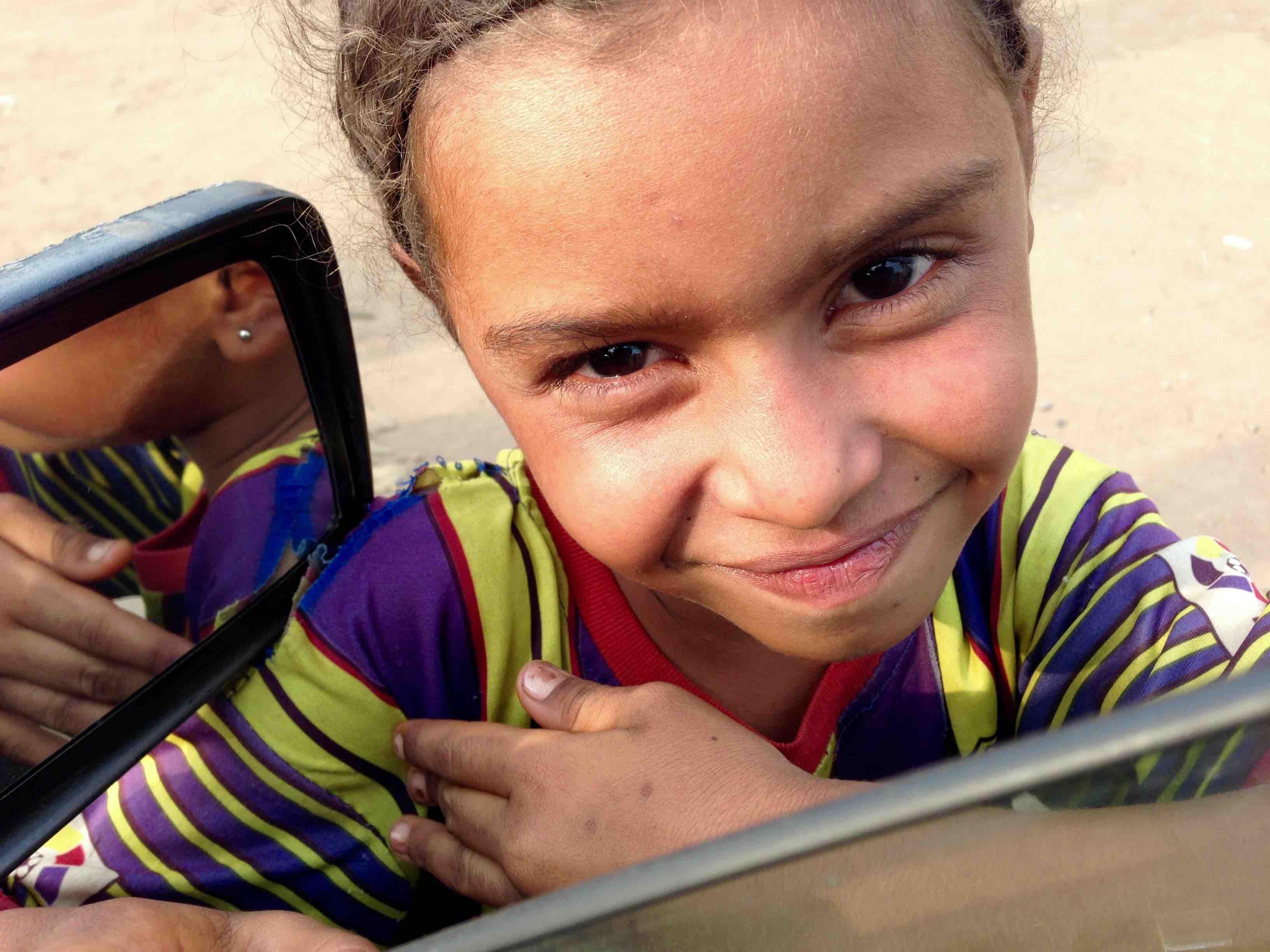 Chadian girl street begging in Ibadan, Oyo, Nigeria. #JujuFilms