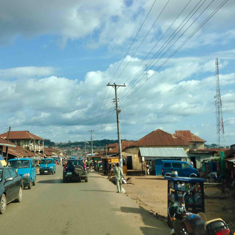 Street scene, Ilesa - Oshogbo Road, Osun, Nigeria. #JujuFilms