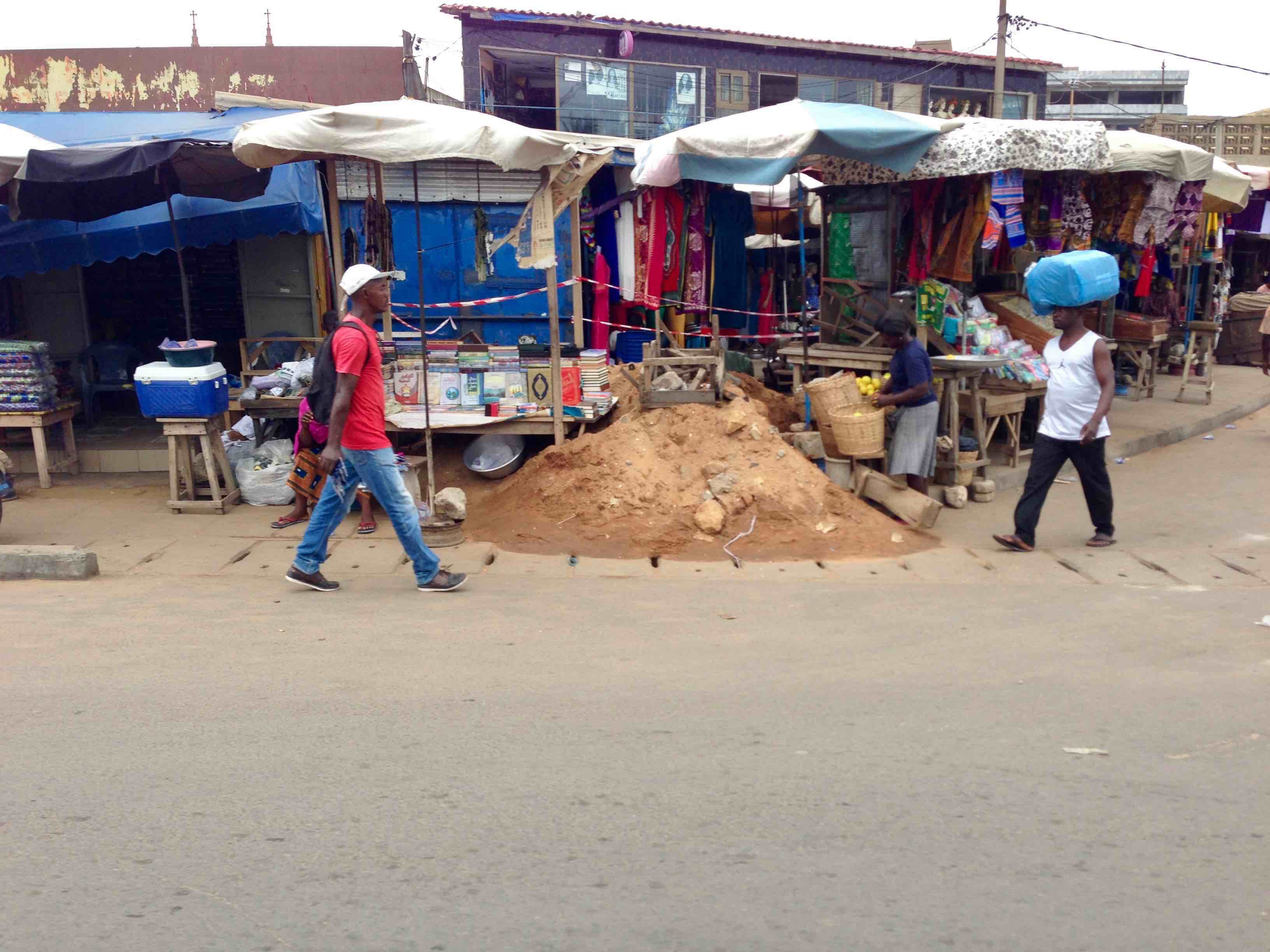Street market scene, Lome, Togo. #JujuFilms