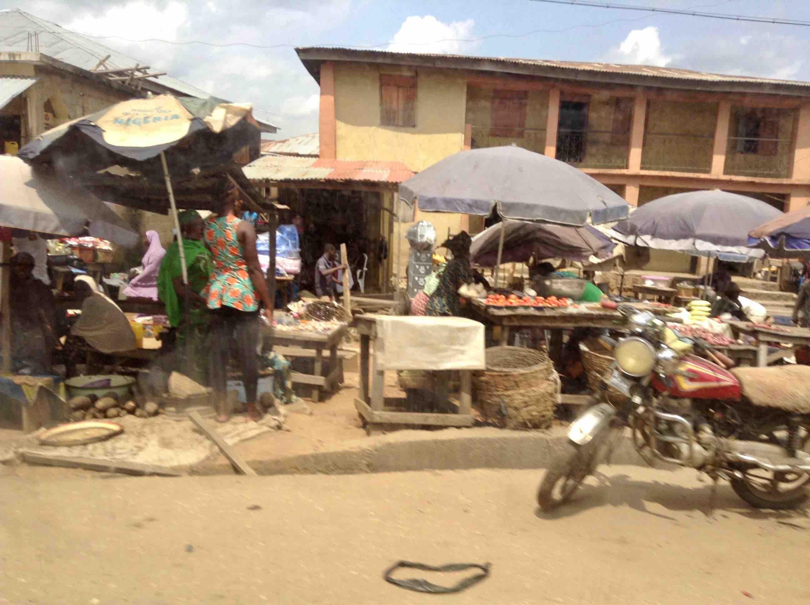 Street Market Scene, Okene - Lokoja Road, Okene, Kogi State, Nigeria. #JujuFilms