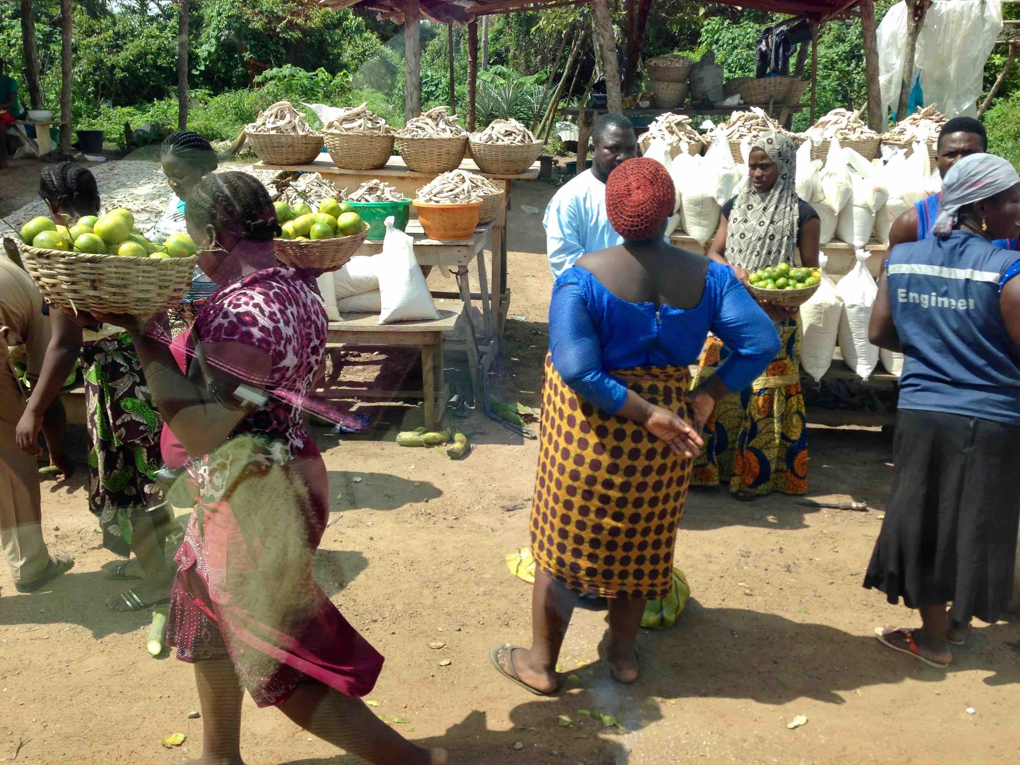 Roadside Market, Akure - Owo - Ifon - Benin Road, Ondo State, Nigeria. #JujuFilms