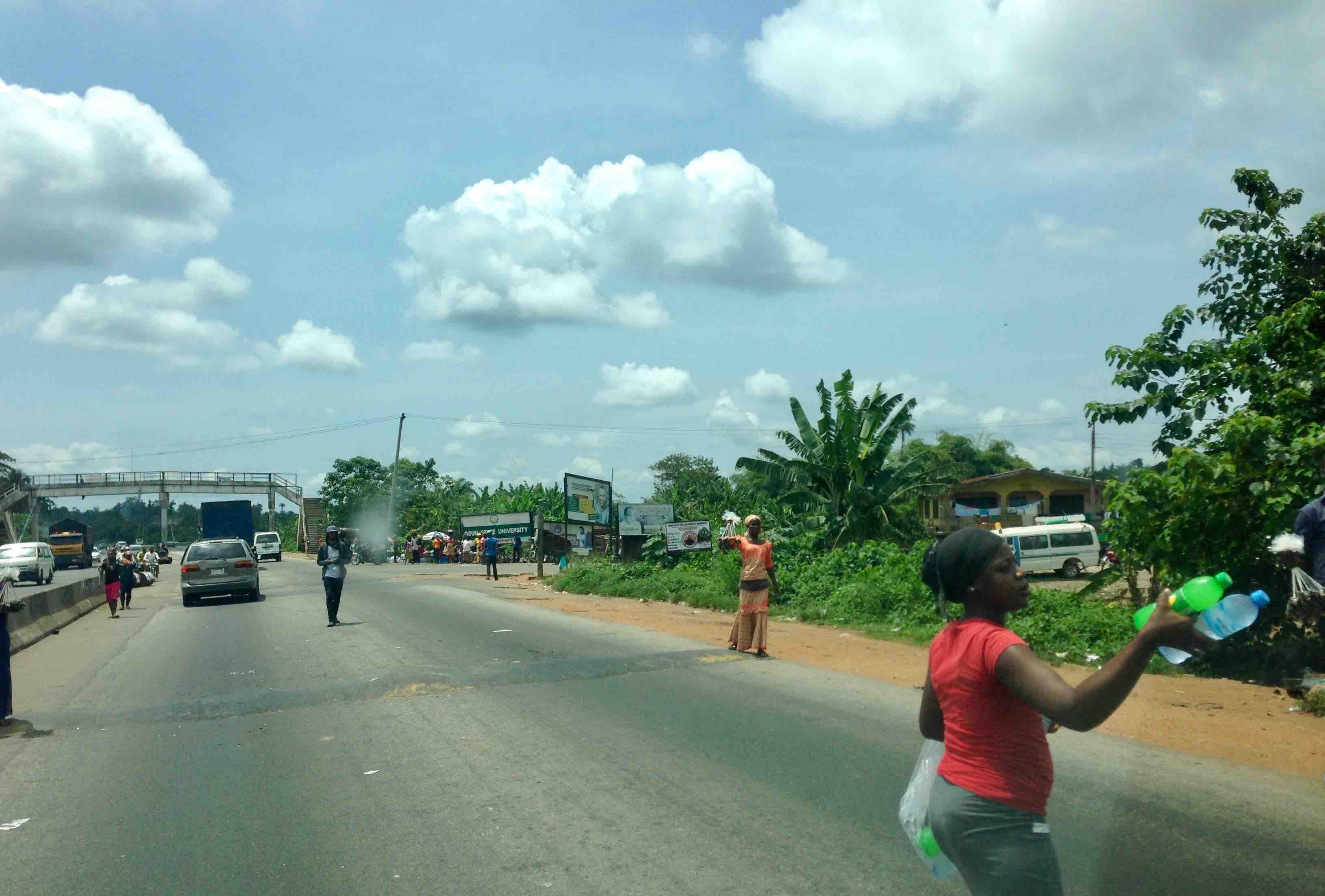 Roadside Hawkers in Ikire, Osun State, Nigeria. #JujuFilms