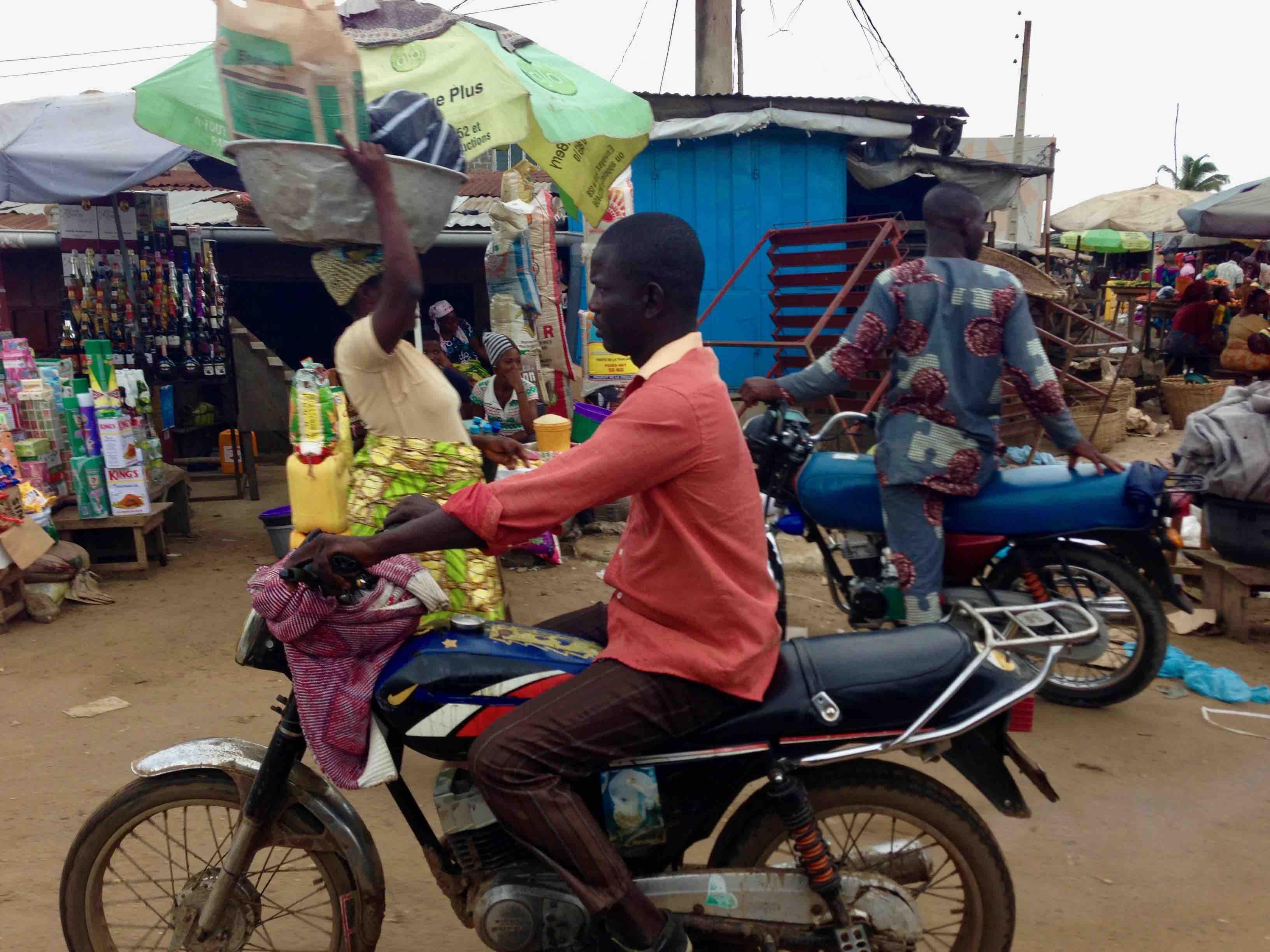 Market Scene, Seme, Queme, Benin. #JujuFilms