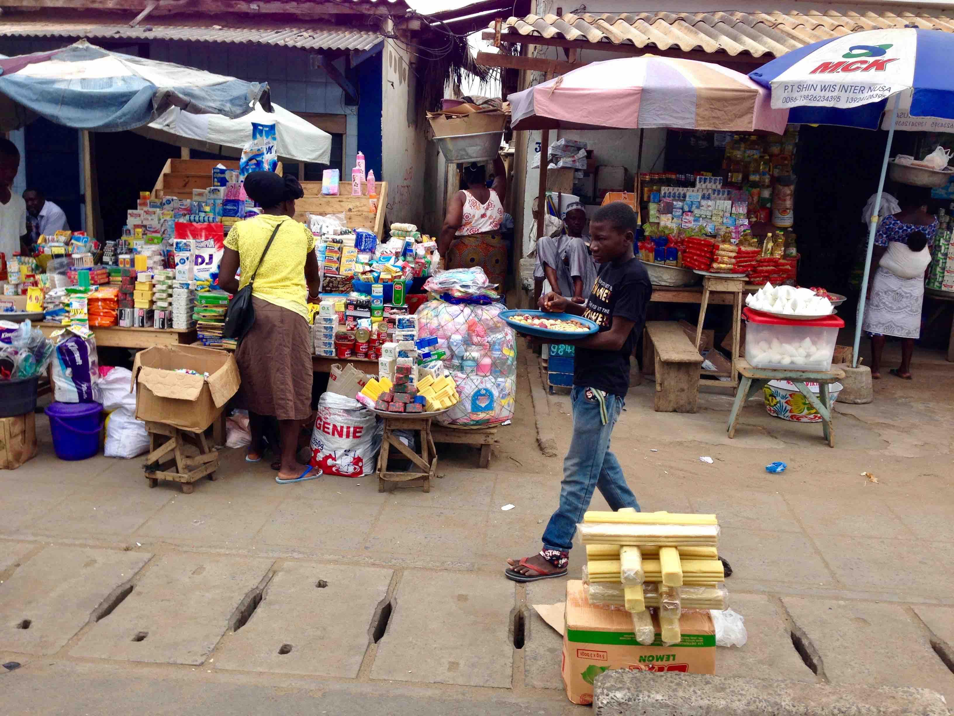 Street Market Scene, Route d'Aflao, Lome, Togo. #JujuFilms