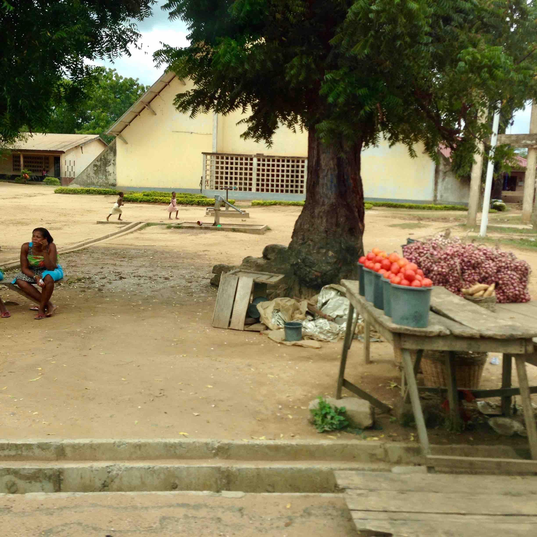 Roadside Market in Adidome, Volta, Ghana. #JujuFilms