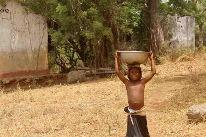 Eggon girl fetching water in Langa Langa Village, Nasarawa State, Nigeria. #JujuFilms