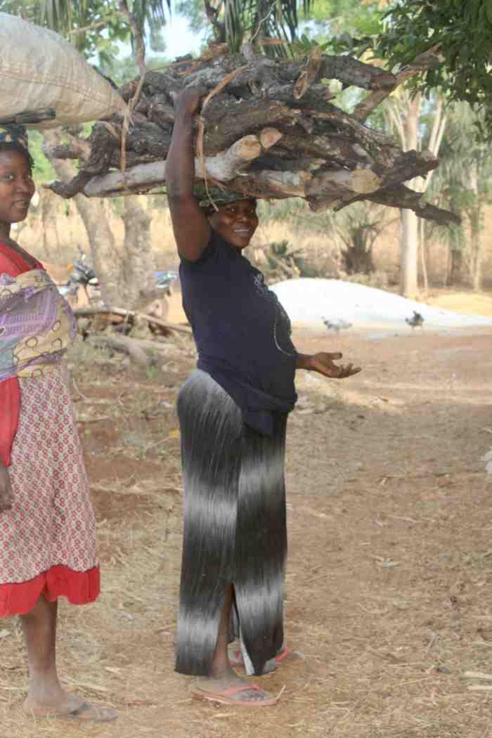 Eggon women fetching firewood in Langa Langa Village, Nasarawa State, Nigeria. #JujuFilms
