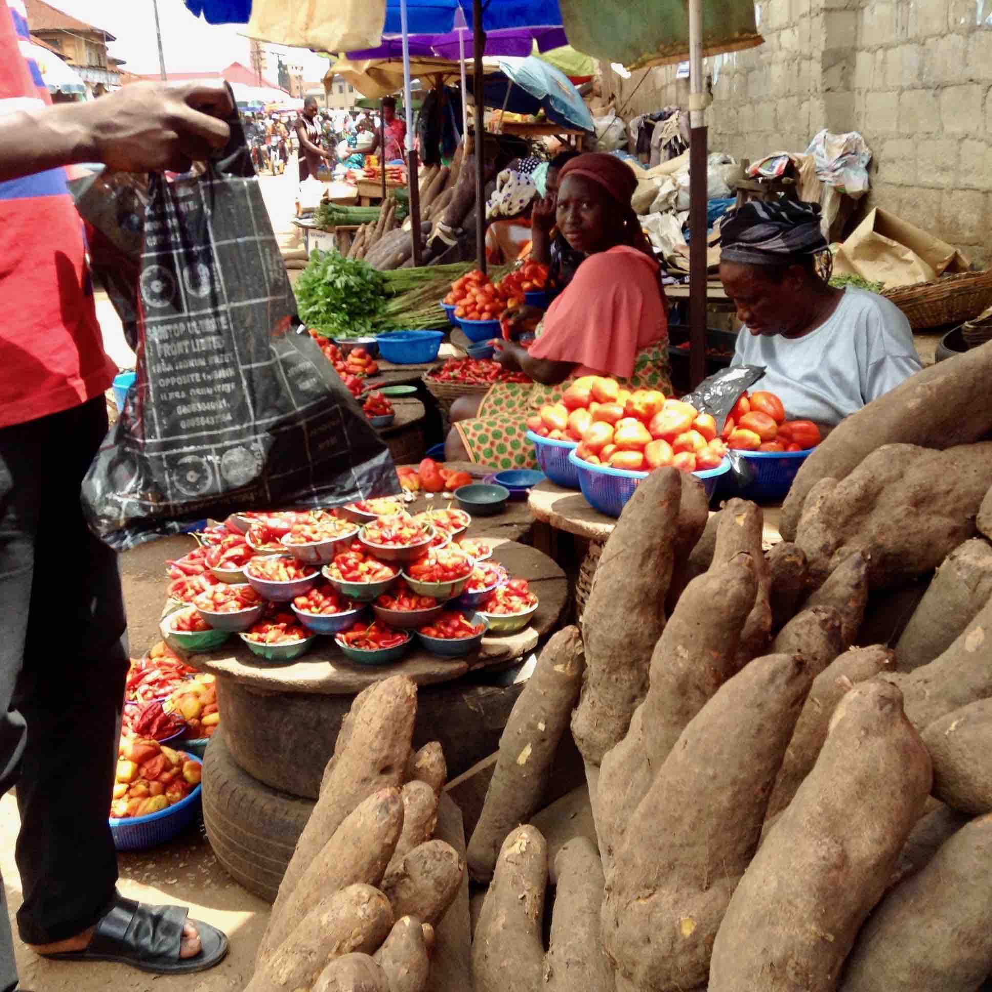 Street Market, Adimula Palace Roundabout, Ilesa, Osun State, Nigeria. #JujuFilms