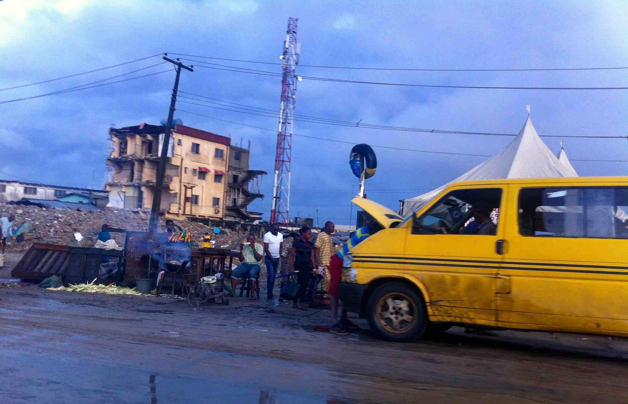 Street Food, Roast Corn, Lagos - Badagry Expressway, Lagos State, Nigeria. #JujuFilms