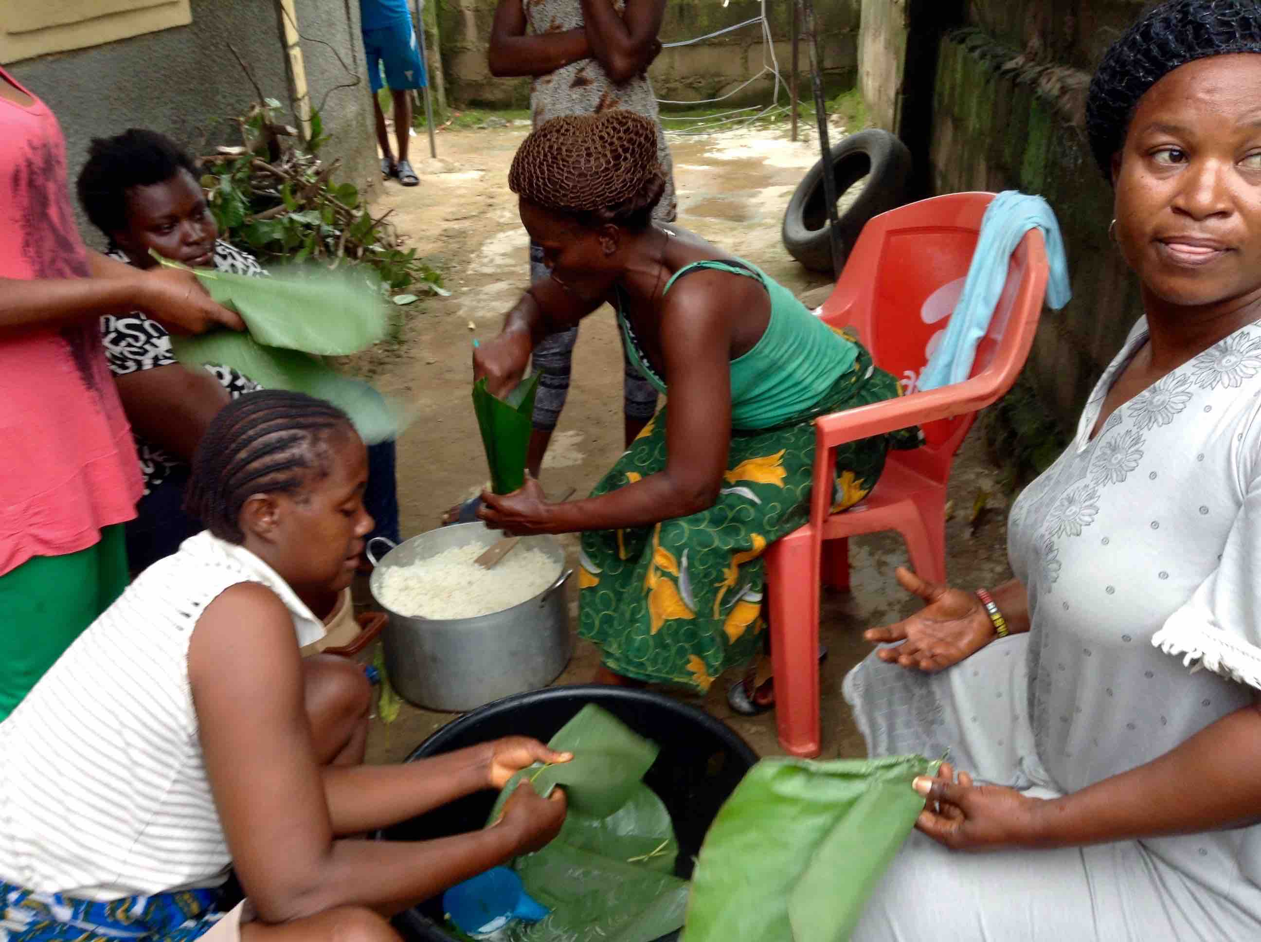 Women preparing rice to sell in Ushafa Village, Abuja, Nigeria, #JujuFilms