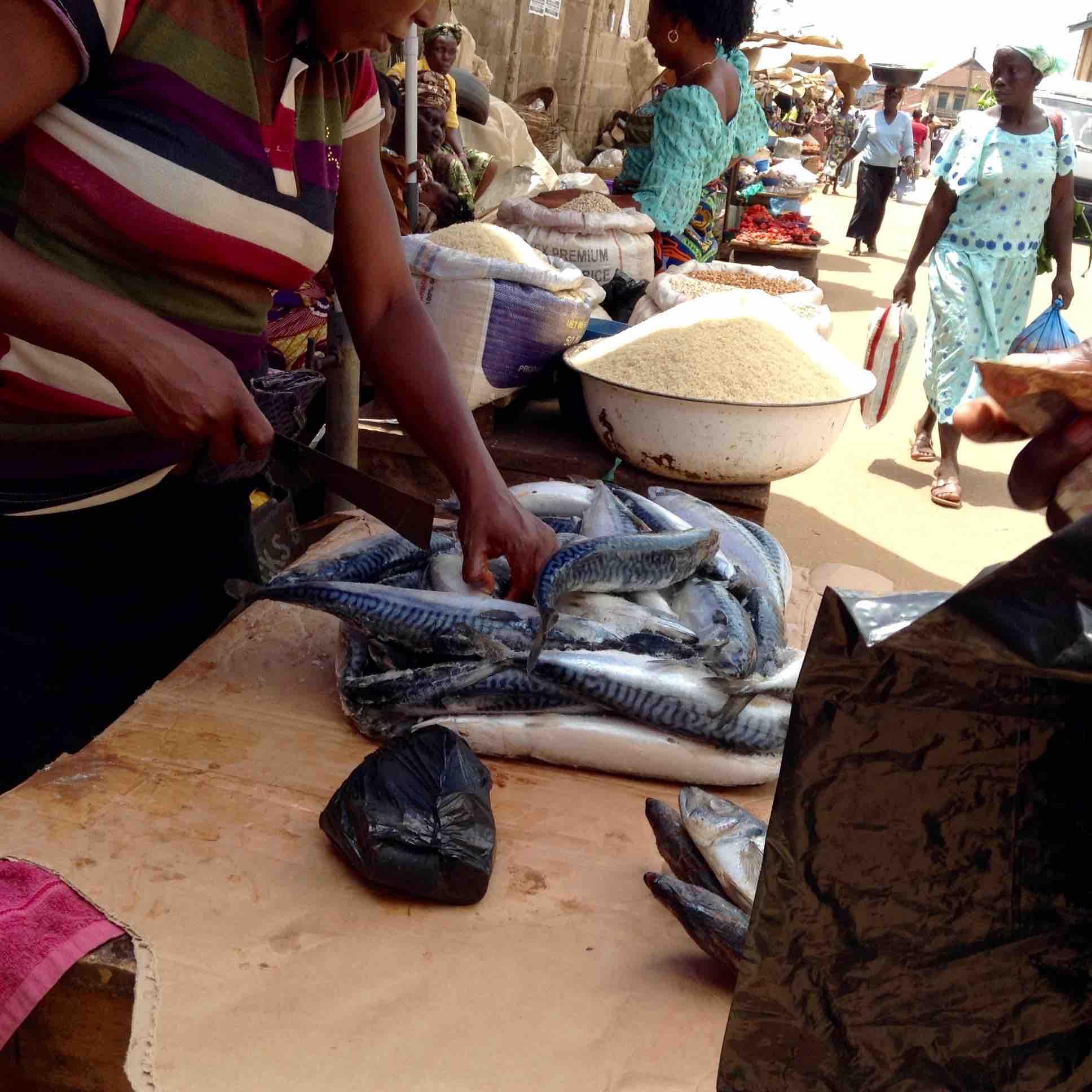 Fishwife, Street market, Adimula Palace Roundabout, Ilesa, Osun State, Nigeria, #JujuFilms